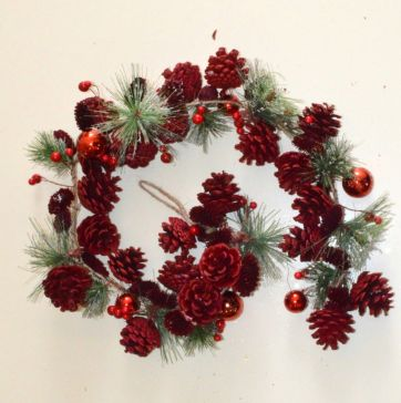 Red Christmas Pine Trees Garlands