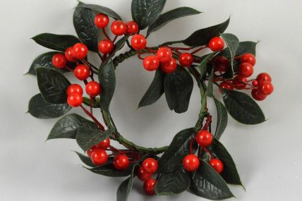 22026 - Red Berry & Leaf Christmas Wreath
