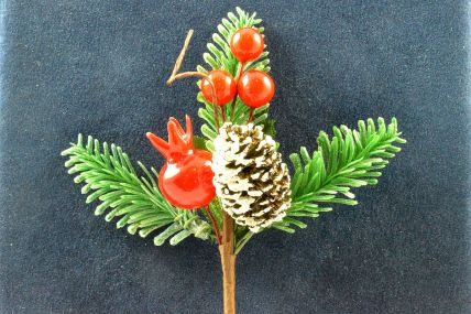 22032 - Triple Leafed Holly & Pine Cone Christmas Pick