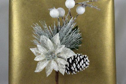 22037 - Snow Flower Christmas Pick