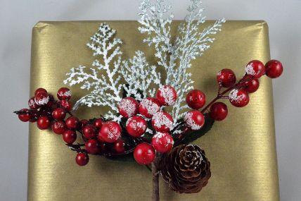 22038 - Snow Berries & Cone Christmas Pick