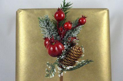 22039 - Berries & Pine Cone Christmas Pick