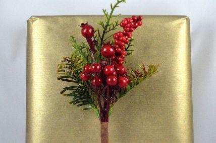 22042 - Shooting Floral Berries Christmas Pick