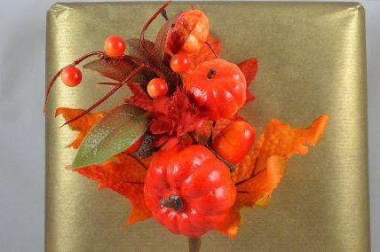22047 - Floral Pumpkin Halloween Pick