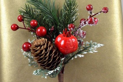 22057 - Traditional Pine cone and berries with a hint of snow - festive floral pick