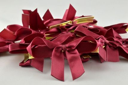 10mm Burgundy Mini Bows with Twist Ties (50 Pieces)