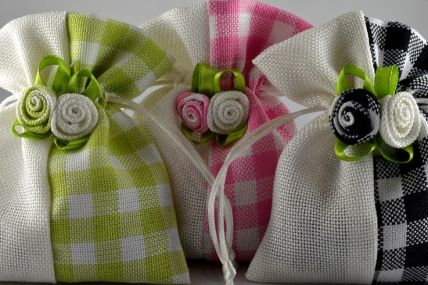 Coloured Flower Decorated Gingham Gift Bags x 5!!