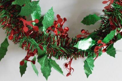 88136 - Christmas Red & Green Holly Leaf & Mistletoe Tinsel x 2 Metre Lengths!