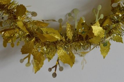 88136 - Gold Christmas Holly Leaf & Mistletoe Tinsel x 2 Metre Lengths!