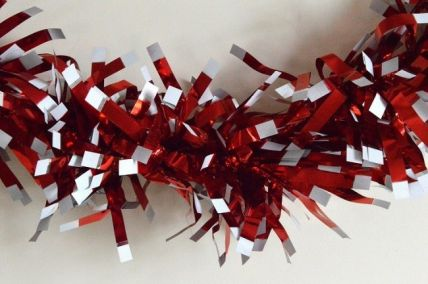 Red Christmas Wrapping Tinsel x 2 Metre Lengths!