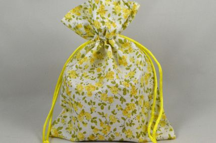 Set of 3 Medium Yellow Floral Bags with Matching Draw Strings: 13cm x 18cm!