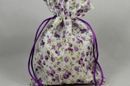 Set of 3 Medium Purple Floral Bags with Matching Draw Strings: 13cm x 18cm!
