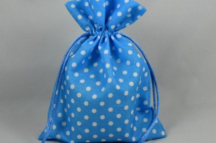 88168 - Pack of 3 Blue Polka Dot Gift Bags with Draw Strings!